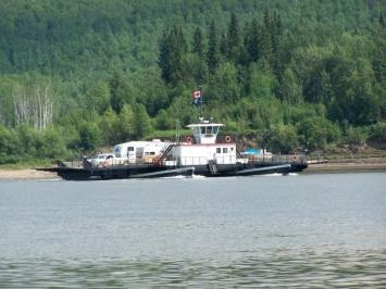 la_crete_ferry
